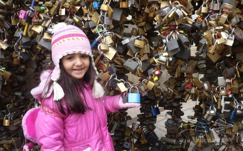 Cadeados do amor em Pecs na Hungria