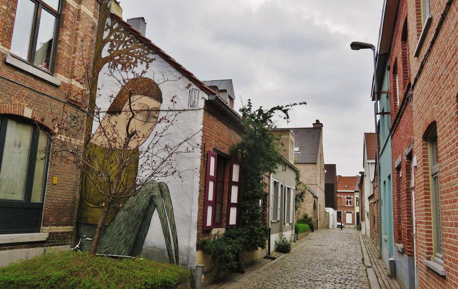 Leuven Belgica - Graffiti mural do artista Bisser - Foto Ferdinand Feys
