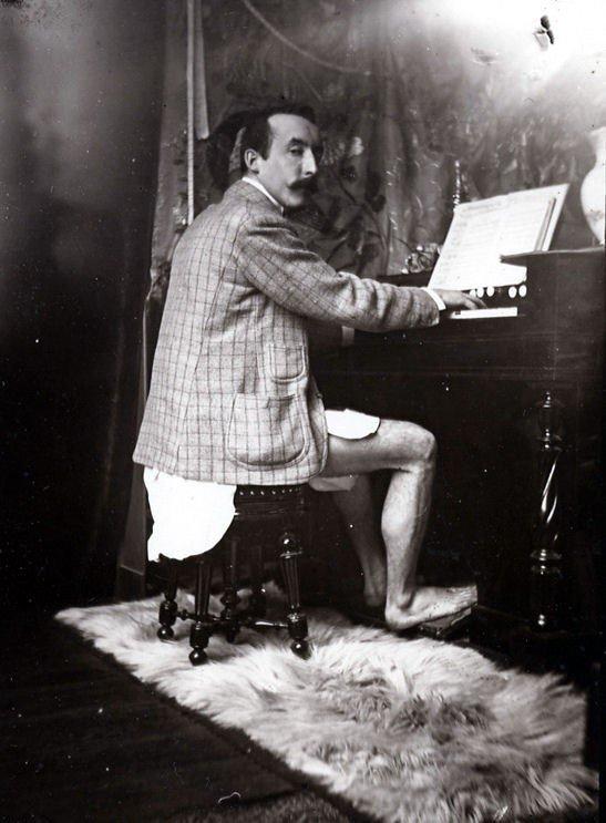 Paul Gauguin no atelier de Alfons Mucha em Paris