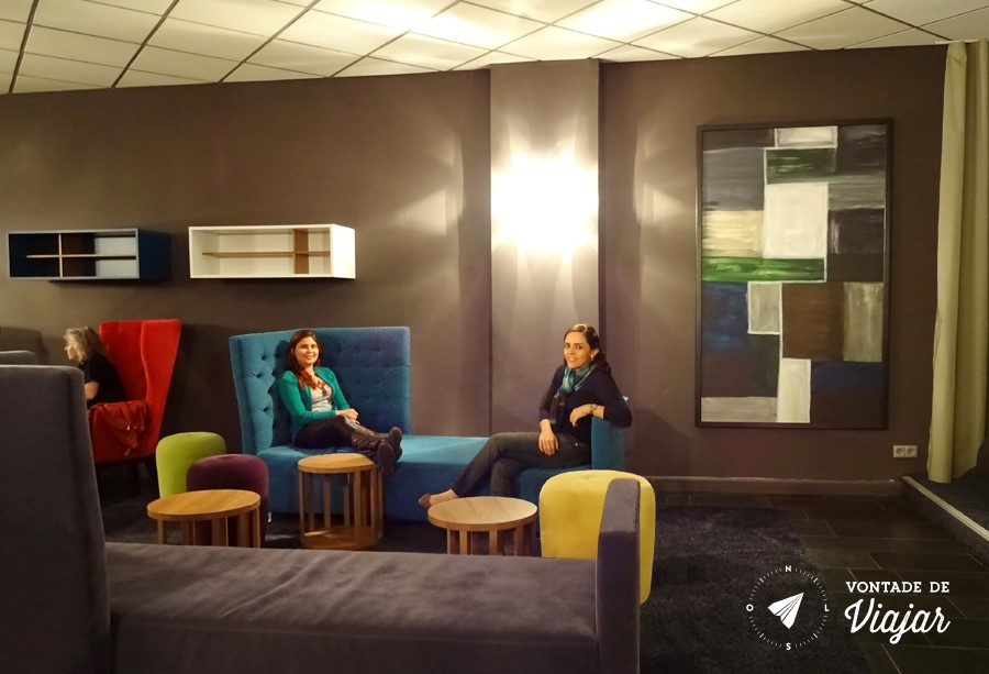 Onde ficar em Dresden - Lounge do albergue com um super design