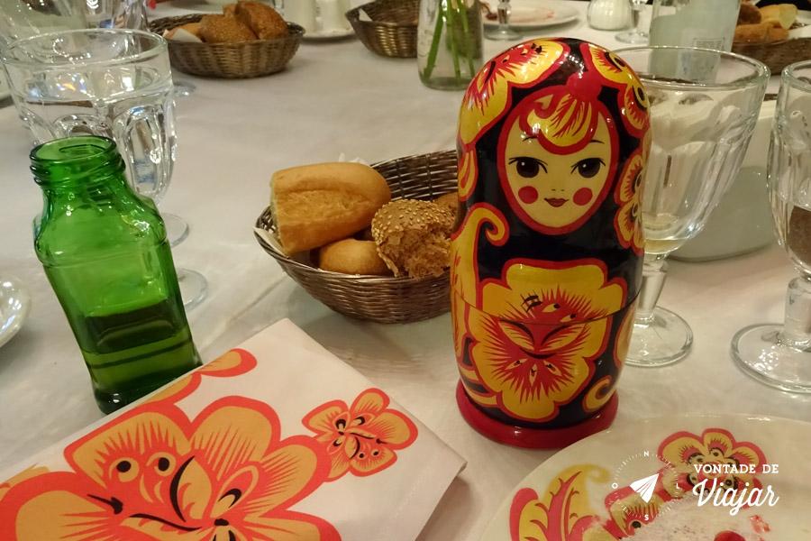 Matrioska no restaurante Sadko em Sao Petersburgo