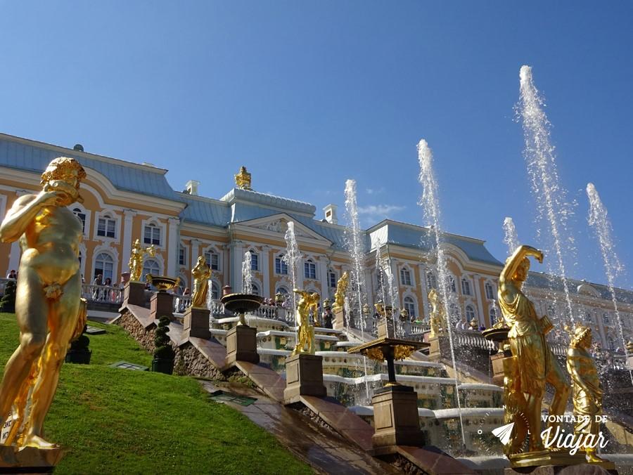 Dicas da Rússia: fontes e estatuas douradas na Grande Cascata de Peterhof