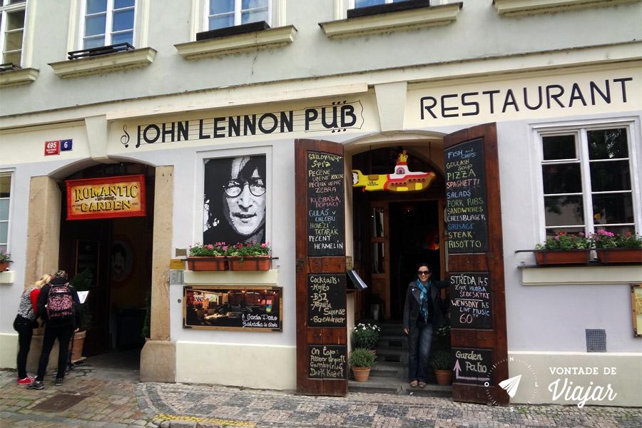 Pub Crawl em Praga - John Lennon Pub