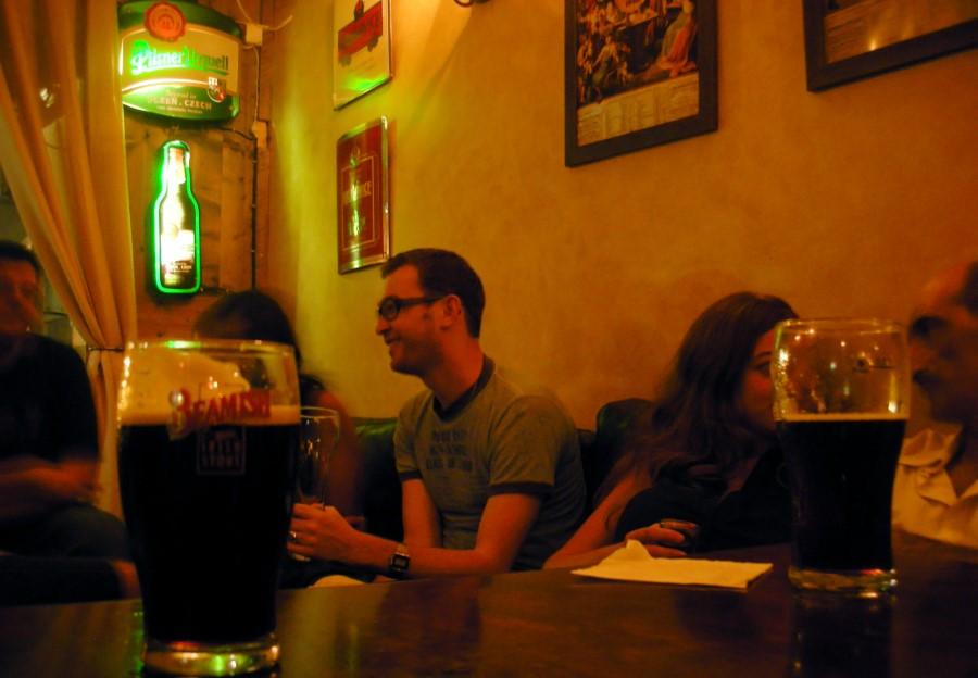 Pub Crawl em Praga - foto de Achi Raz
