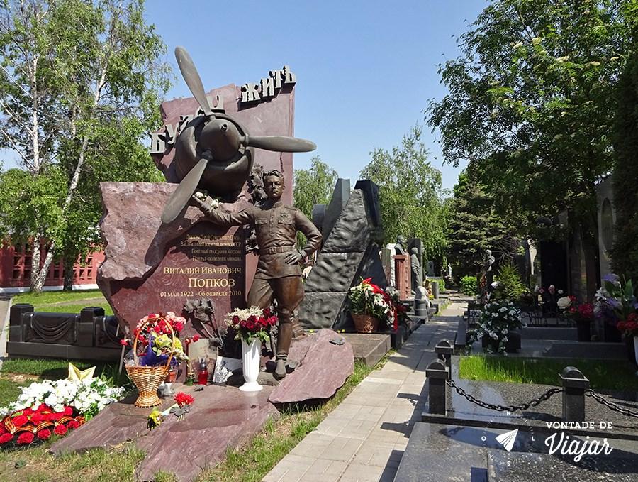 convento-de-novodevichy-em-moscou-herois-nacionais-no-cemiterio