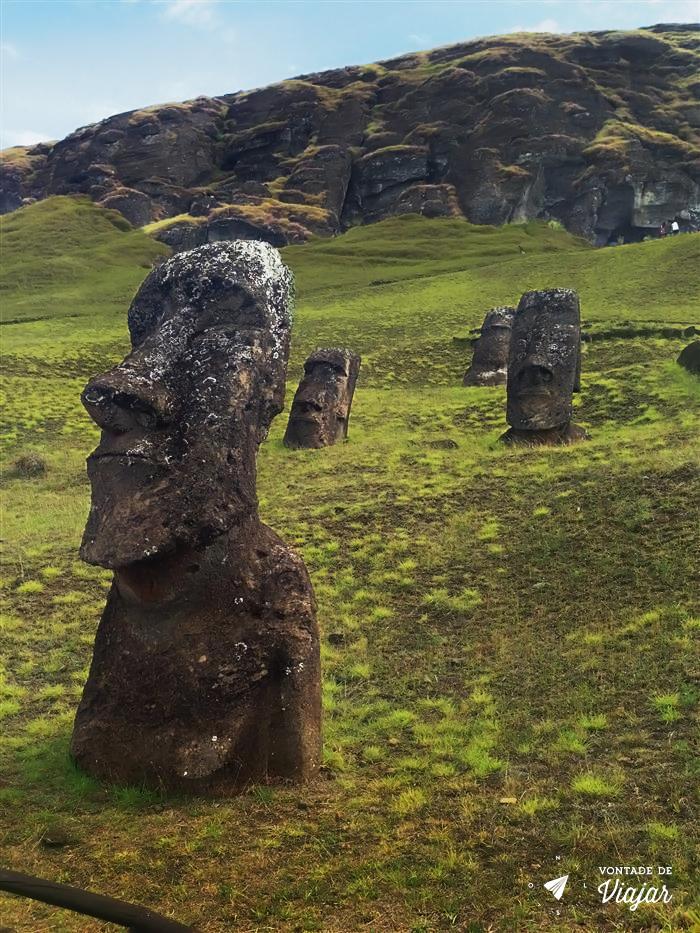 ilha-de-pascoa-rano-raraku