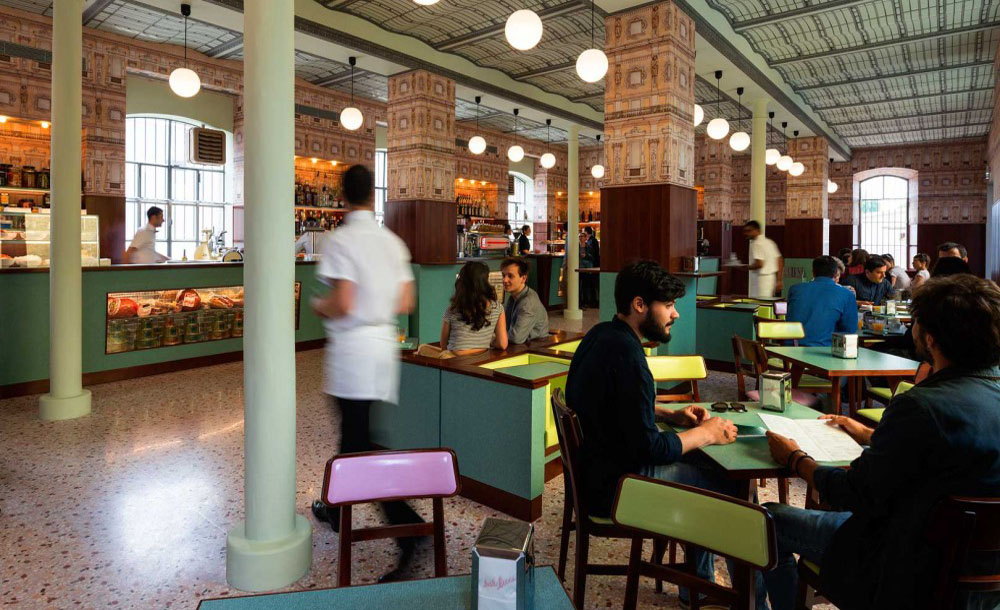 O que fazer em Milao - Fondazione Prada Bar Luce Milao
