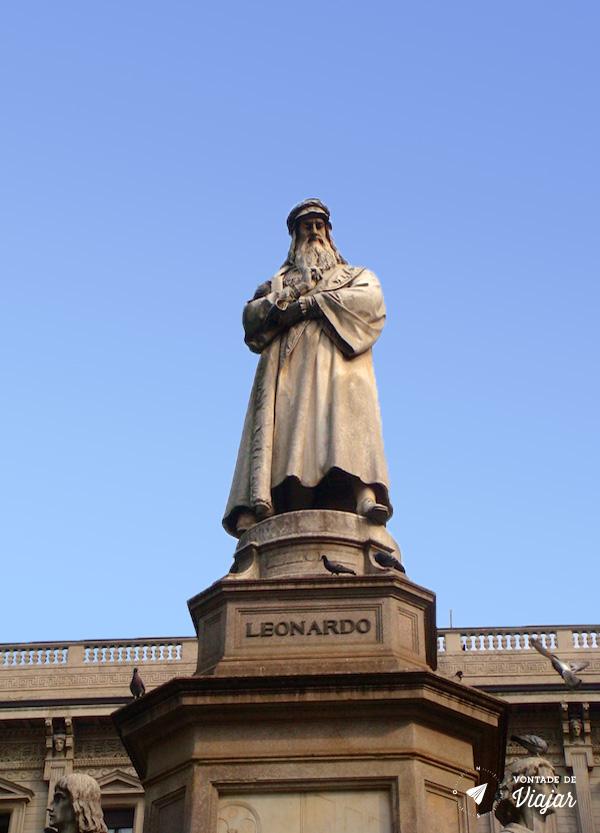 O que fazer em Milao - Leonardo Da Vinci Estatua