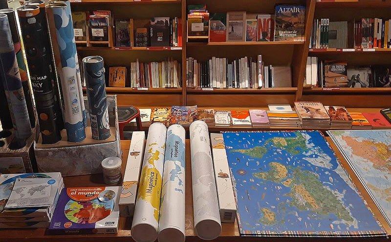 Livraria Altair em Barcelona - especializada em mapas e livros de viagem - Foto: Laia H