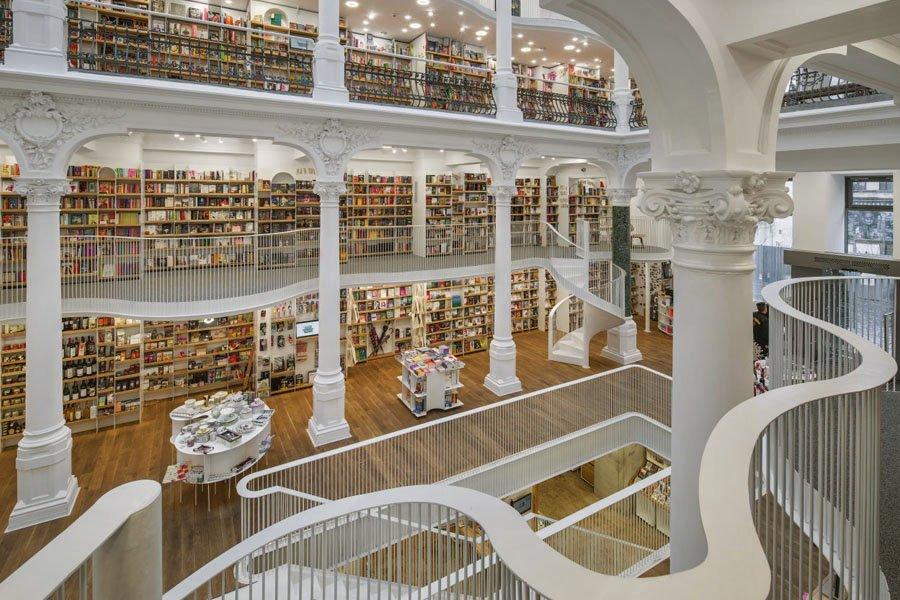 Livrarias do mundo - Carturesti Carusel em Bucareste - Foto Cosmin Dragomir