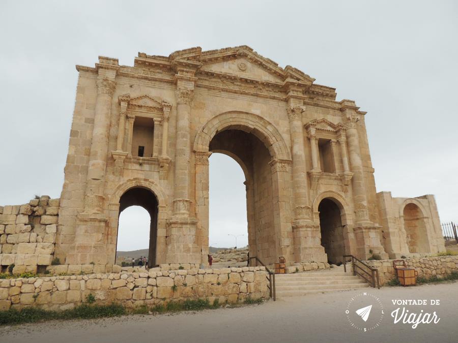 Jerash na Jordania - Arco de Adriano