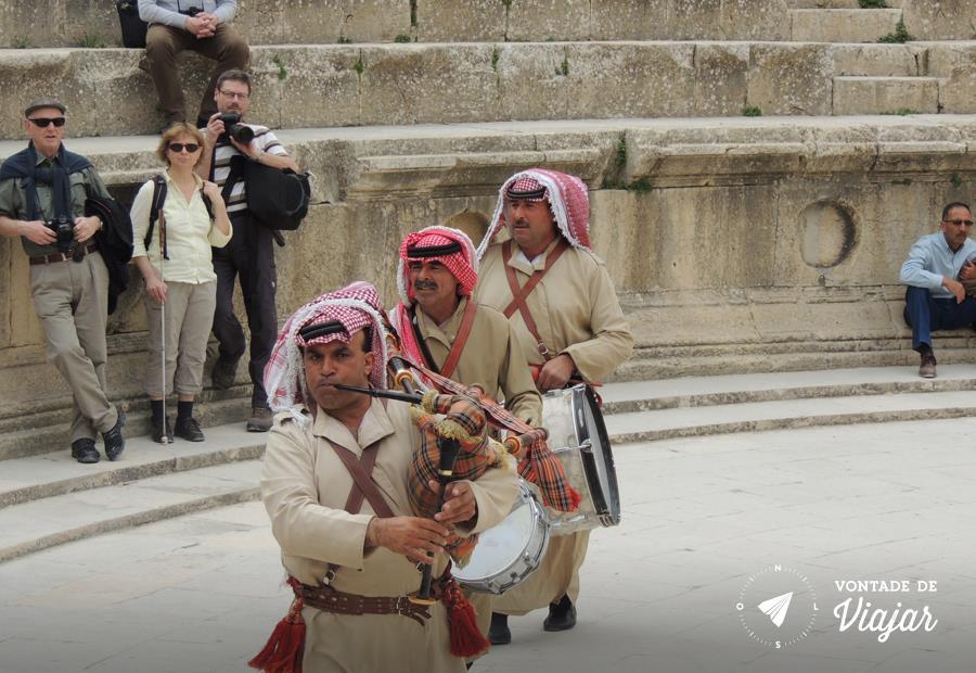 Jerash na Jordania - Musica arabe tambem tem gaita de fole
