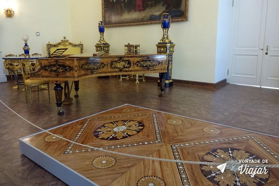 Tsarskoe Selo - Palacio de Catarina em restauracao depois da destruicao na Segunda Guerra Mundial