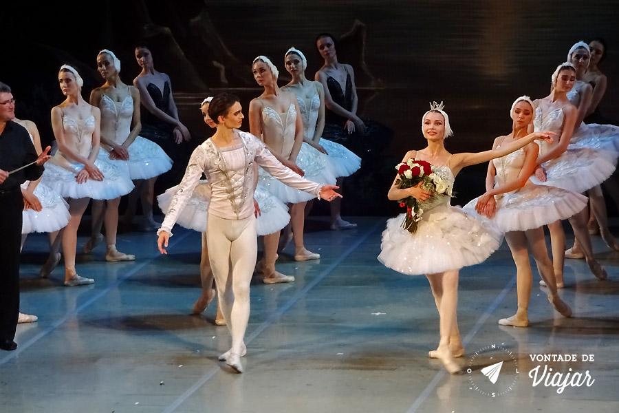 Ballet na Russia - Ballet Lago dos Cisnes em Sao Petersburgo