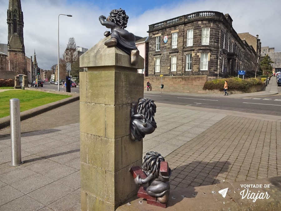 Dundee Design - Estatua dos Lemings perto da Dundee University