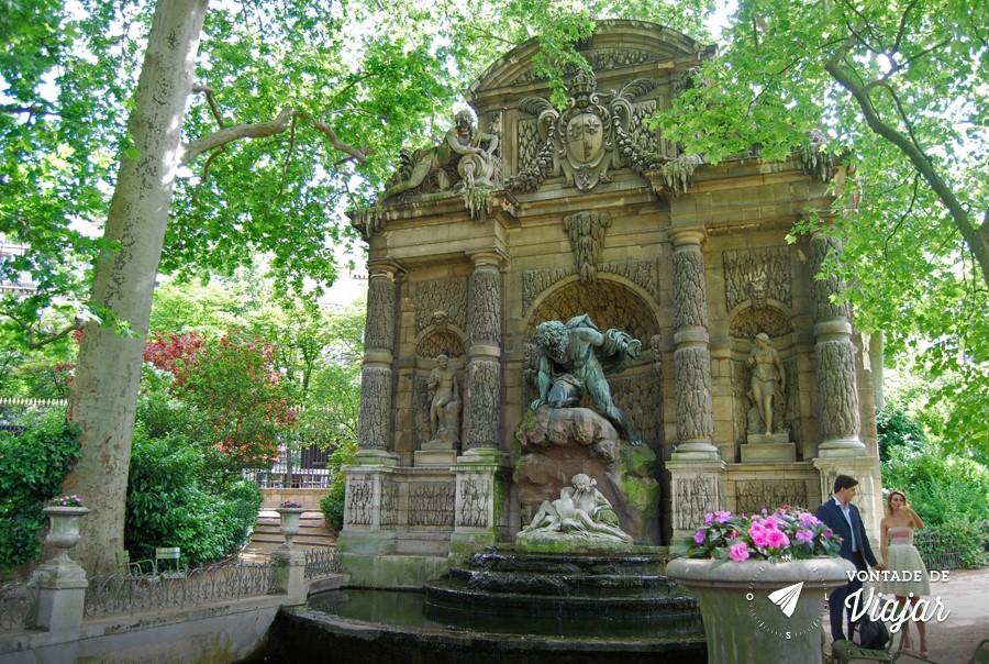 paris-jardim-de-luxemburgo-fonte-de-medicis