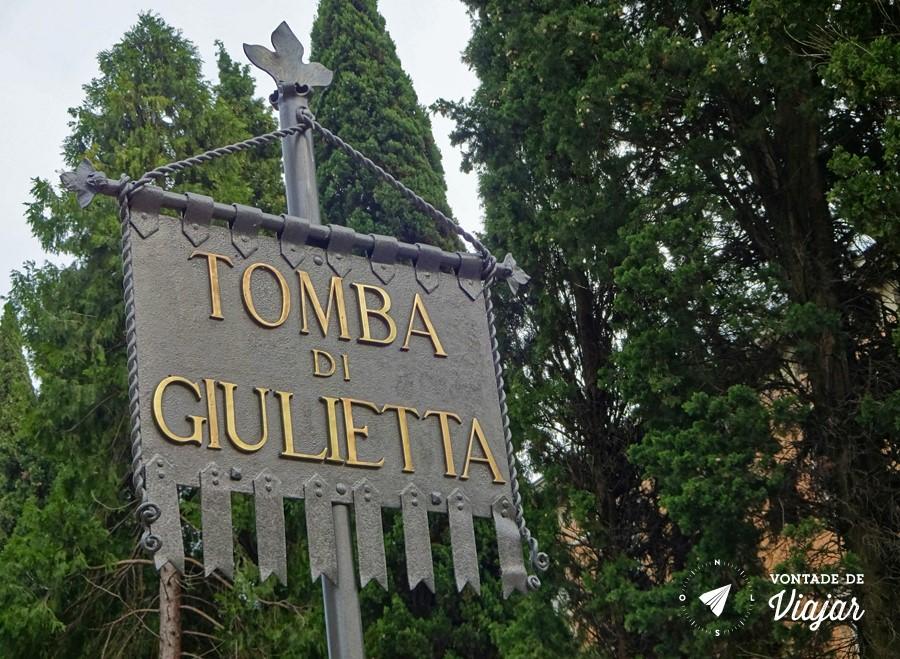 Romeu e Julieta historia - Tumba de Julieta