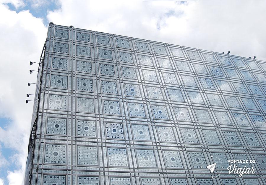 instituto-do-mundo-arabe-em-paris-fachada-inspirada-em-azulejos
