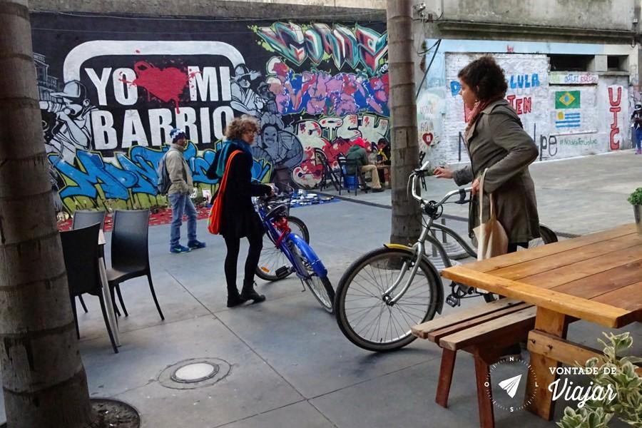 montevideu-alternativo-grafitti-e-bicicletas