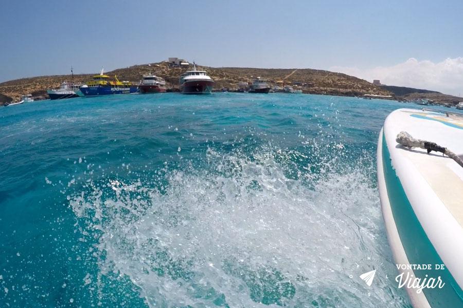 ilhas-de-malta-lancha-em-comino