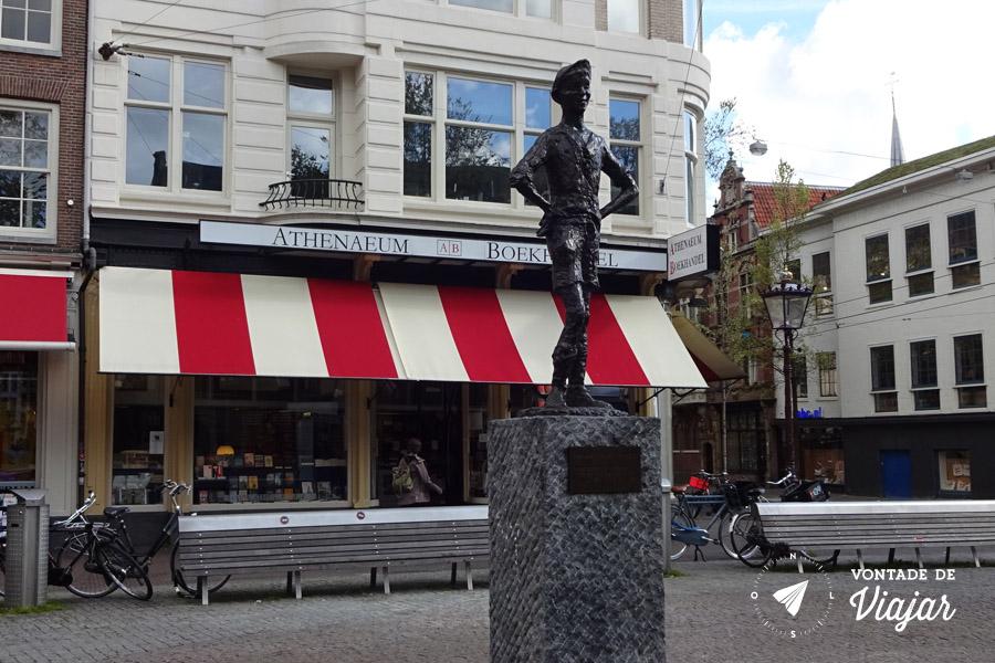 Provos Amsterdam - Estatua Het Lieverdje Spui