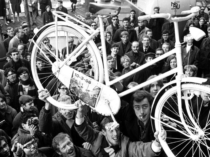Provos Amsterdam - Protesto pelo Plano da Bicicleta Branca