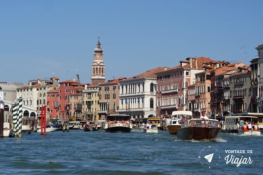 Veneza - Barcos no Grand Canal