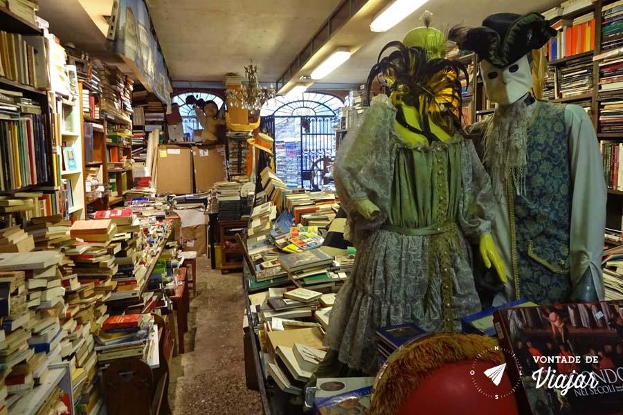 Livraria Acqua Alta Veneza - Carnaval veneziano