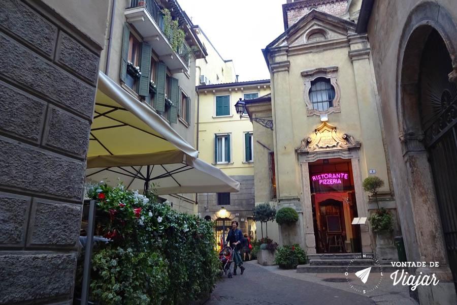 O que fazer em Verona Italia - Restaurante Igreja de San Matteo