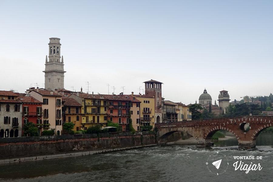 O que fazer em Verona Italia - Rio Adige ponte
