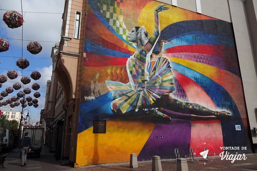 Graffiti Bailarina Kobra em Moscou - Mural Street Art