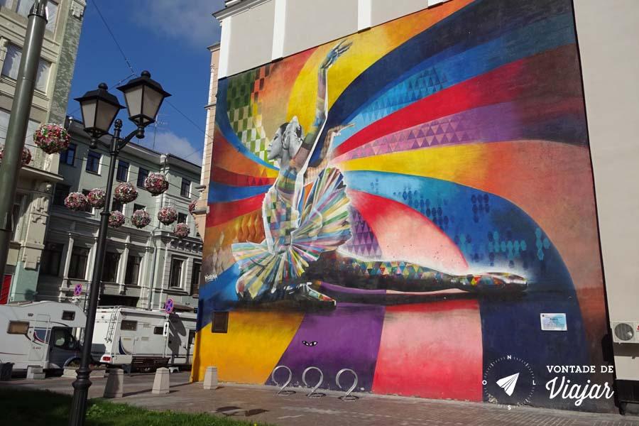 Graffiti Bailarina Kobra em Moscou - Street art na Russia