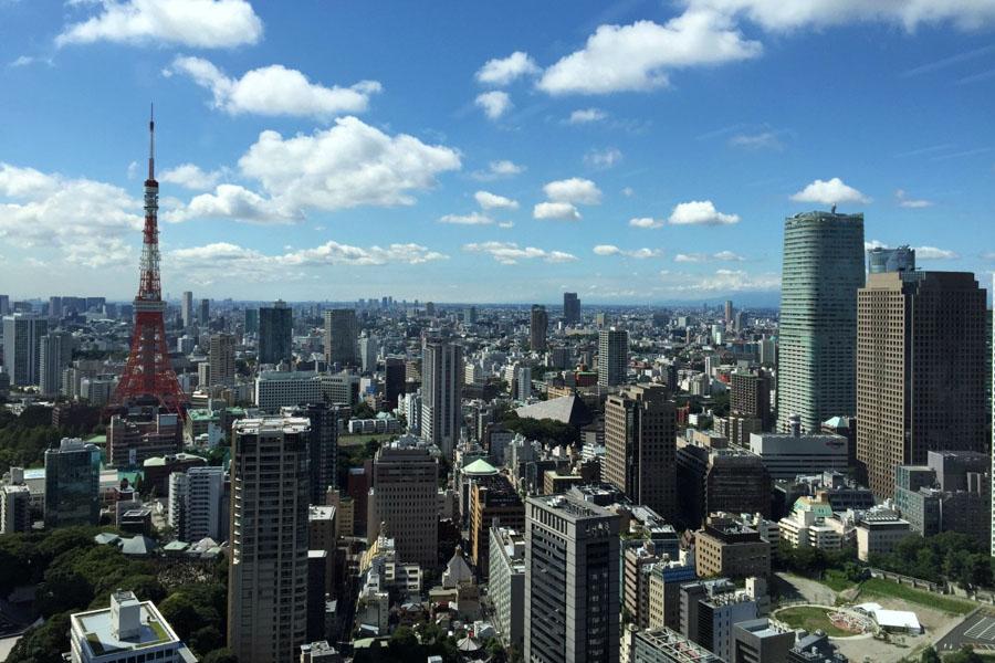Roteiro Japao - Torre de Tokyo vista do alto de um predio comercial