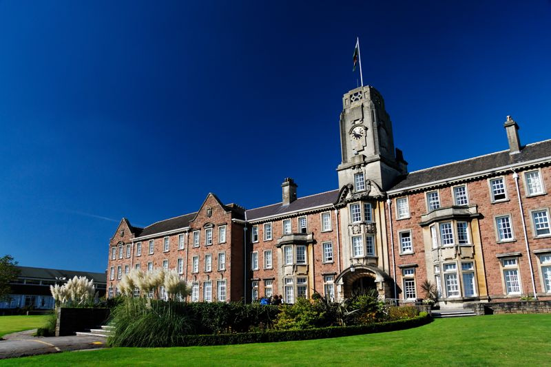 Moordale Escola Sex Education Netflix - University of South Wales Caerleon Campus