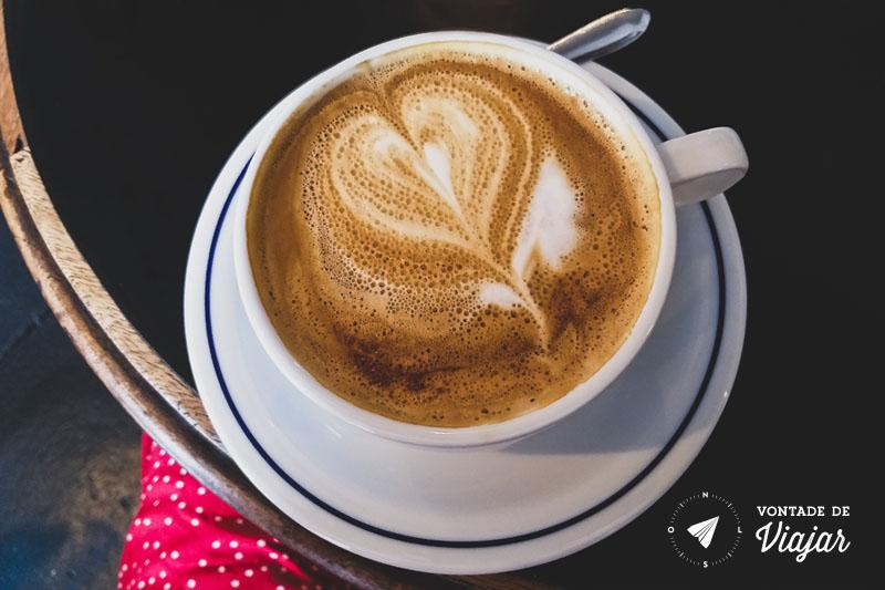 Cafes com leite do Combi