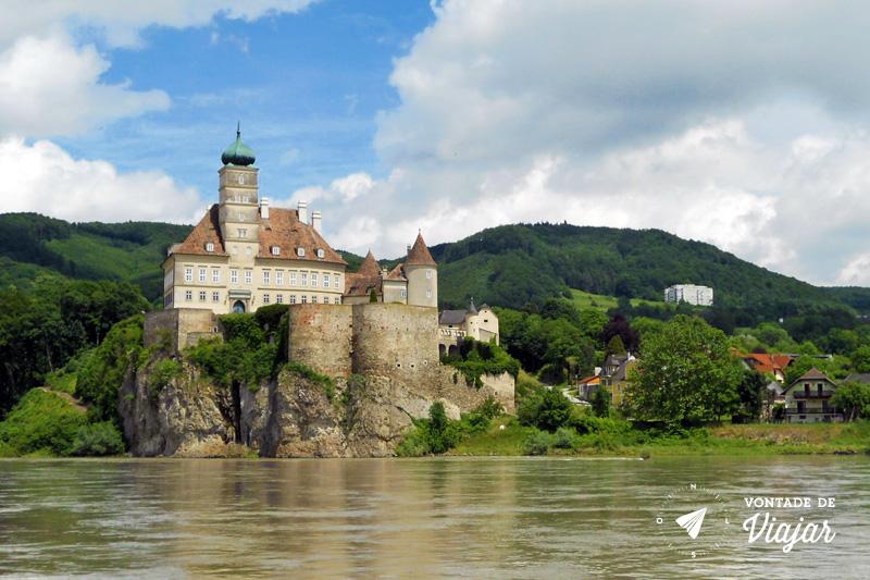 Cidades da Austria - Spitz - Barco no rio Danubio