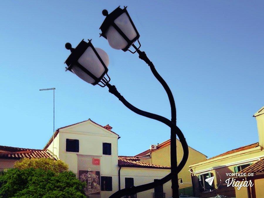 Ilhas de Veneza - Postes apaixonados em Murano